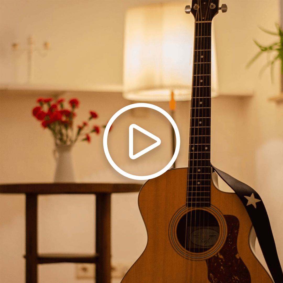 Gitarre in Stube