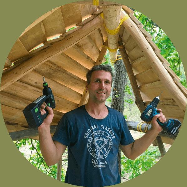 Johannes Oßwald, ein 'Holzwurm' im Wald